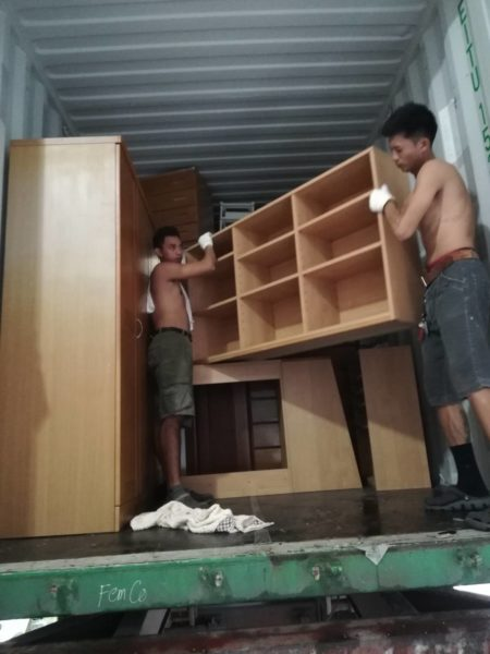 UNLOADING CONTAINER AT RPJ BULACAN