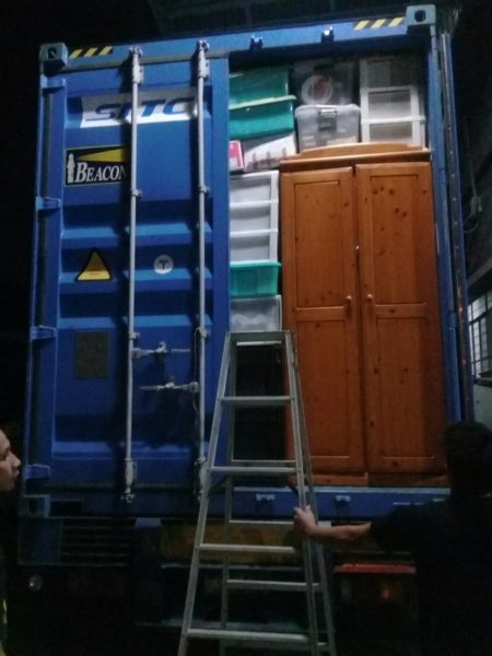 UNLOADING CONTAINER AT RPJ ALABANG
